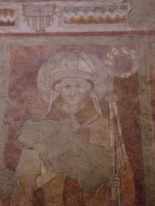 """Chiesa di Corenno Plinio: particolare affresco """"il Vescovo e i 5 apostoli"""""""