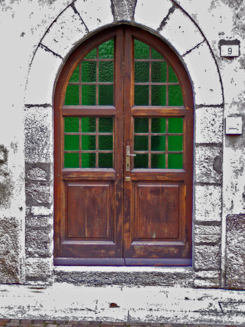 Fig. M: Portale Tardo-Medioevale